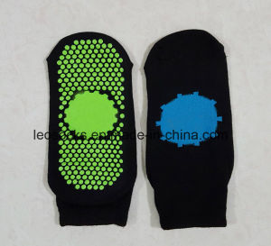 Anti Slip Trampoline Jump Socks Non Slip Yoga Pilates Socks Quality Choice pictures & photos