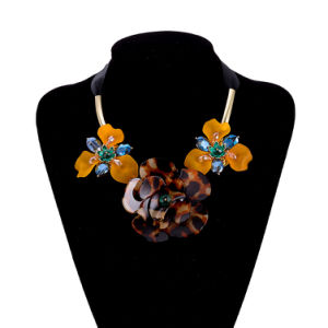 Custom Flower Lacing Bow Necklace Fashion Jewelry pictures & photos