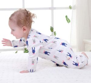 Wholesales New Fashion Children Kids Newborn Baby Pajamas pictures & photos