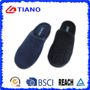 Comfortable Winter Indoor Slipper for Man (TNK36009) pictures & photos