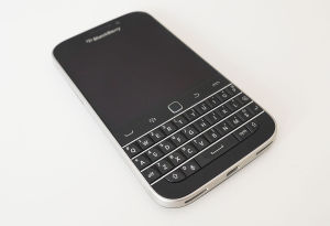Refurbished Cell Phone Classic Q20 Black Original Smart Phone pictures & photos