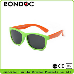 Hot Selling High Quality Polarized Sunglasses for Children pictures & photos