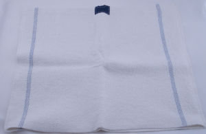 High Quality Stitch Bonding Nonwoven Fabric Cleaning Cloth pictures & photos