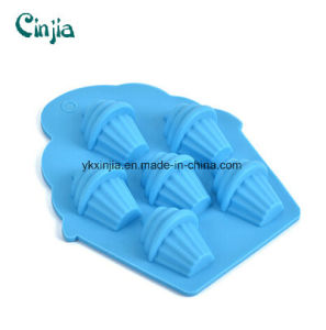 FDA Grade Silicon 5 Cups Silicone Muffin Baking Bakeware pictures & photos