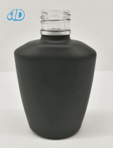 N6 Cosmetic New Product Nail Polish Glass Bottle 10ml pictures & photos