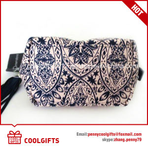 Top Quality New Arrival Fashionable Lady Travel Cosmetic Bag with Tassel pictures & photos