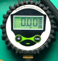 Digital Inflator Tire Pressure Gauge for All Passenger Cars pictures & photos