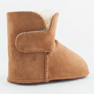 Double Face Australia Merino Sheepskin Baby Shoes pictures & photos