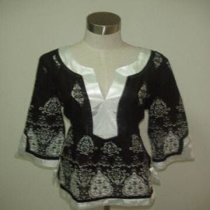Ladies Blouse (LB002) pictures & photos