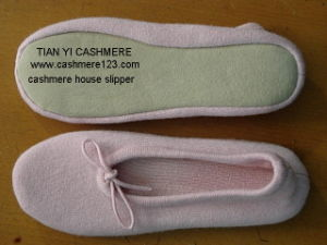 Lady′s Cashmere Soft Ballet Slipper pictures & photos