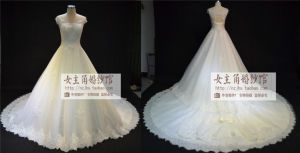 2015 New Luxury Wedding Dresses with Sweetheart Crystals Beads Backless Handmade Flowers A Line Chapel Train Tulle Hot Church (JL1110)