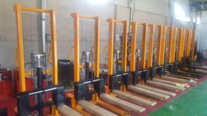 1t Hand Forklift Manual Stacker Lifting Height 1.6m pictures & photos