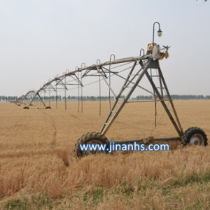 2016 Huisongcenter Pivot Irrigation System with Linear Farm Equipment Used for Grassland pictures & photos