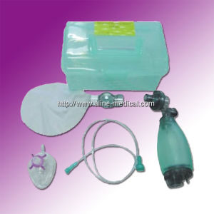 Reusable PVC/Silicone Manual Resuscitator (MW124) pictures & photos