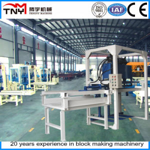 Automatic Interlocking Block Machines (pallet loader) pictures & photos