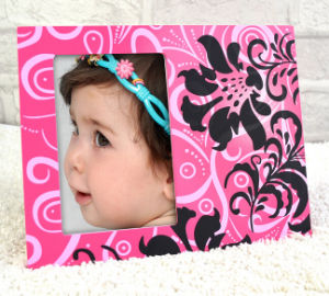 Cute Spray Painting Wood Baby Photo Frame (PF-030) pictures & photos