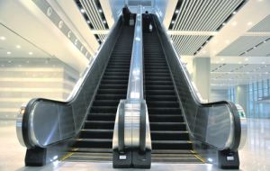 Vvvf Drive Indoor Escalator for Super Market with Speed 0.5m/S pictures & photos