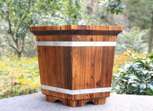 Solid Oak Wooden Barrel Herb Flower Planter Pot for Patio Reclaimed pictures & photos