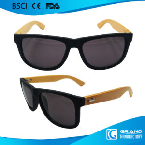 2017 New Fake Designer Vintage Frame Bamboo Sunglasses pictures & photos