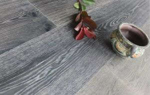 Aged Finishing Popular Color European Oak Engineered Flooring. pictures & photos