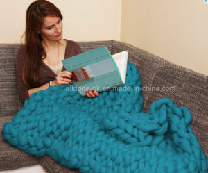 Chunky Thick Hand Knitting Wool Yarn Blanket Rug Throw Hat pictures & photos