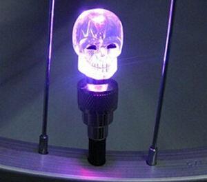 Skull Head Flashing LED Valve Cap Bulb Wheel Tyre Light pictures & photos