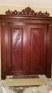 High Quality Solid Wood Door with Carving for Villa or Apartment (DS-062) pictures & photos