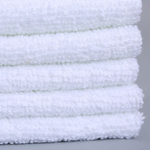 100% Cotton Disposable Cleaning Individual Packing Cheap Wet Towel pictures & photos