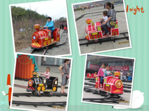 Mini Train Cheap Amusement Rides Park Train Manvfacture (FLTT)