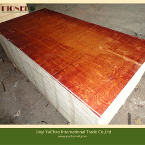 915X1830mm Combi Core Red Color Paint Construction Plywood pictures & photos