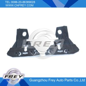 Bumper Bracket for Mercedes-Benz Sprinter 906 OEM A9068821114 / 9068821014 pictures & photos