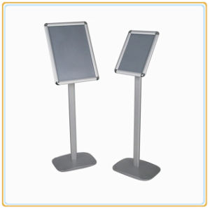 Aluminum Poster Stand with Plastic Base (A4) pictures & photos