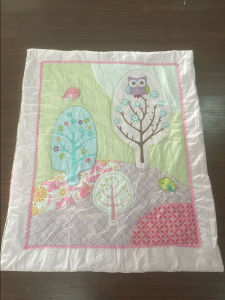 Pink Bird Embroidery Quilt for Little Girl Lovely pictures & photos