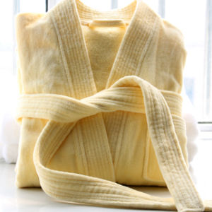 Wholesale 100% Cotton Hotel Bathrobe with Factory Price pictures & photos