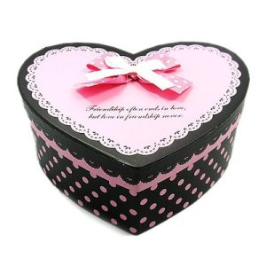 Fashion Heart Shape Chocolate Cardboard Paper Gift Box pictures & photos