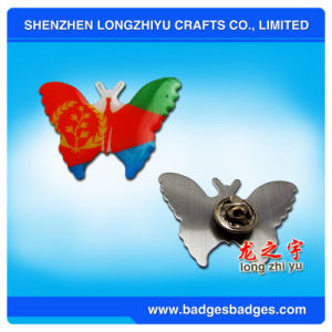 Customize Shape Enamel Metal Badge Wedding Lapel Pins Red Heart Shape Badges pictures & photos