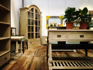 of Primitive Simplicity and Elegant Cabinet Antique Furniture pictures & photos