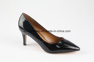 Sexy Design Fashion Lady Shoes with Shinning Upper pictures & photos