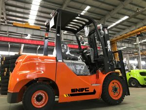 Forklift 6 Metre Yukseklik 3 Ton with Isuzu Engine pictures & photos