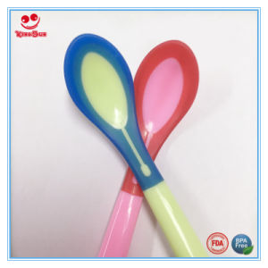 Mixed Color Temperature Sensitive Baby Feeding Spoon pictures & photos