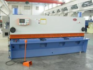 Nc Hydraulic Swing Type Shearing Machine pictures & photos