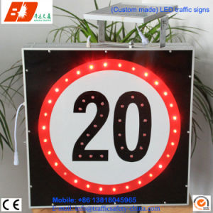 Solar LED Power Traffic Arrow Signage Outdoor Road Signs pictures & photos