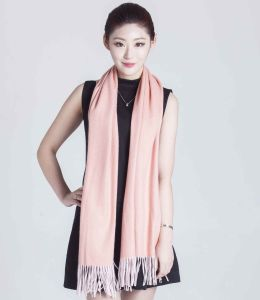 100% Cashmere Yarn Dye Scarf in Solid Color pictures & photos