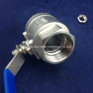Stainless Steel Two Piece Ball Valve with Lock pictures & photos