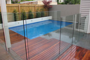 Safety Tempered Glass Shelves, Shower Door Glass/Swimming Pool Glass pictures & photos
