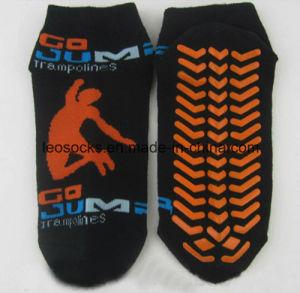 Customized Grip Trampoline Park Socks Indoor Sport Non Slip Anti Slip Socks pictures & photos