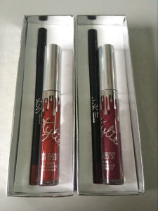 Kylie Holiday Edition Kit Lipliner+Liquid Lipstick Set 2 in 1 Matte Lipgloss Set 2 Color Can Be Chosen pictures & photos