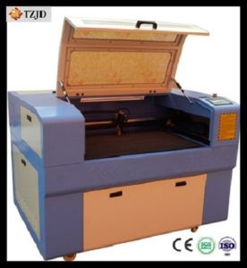 Acrylic Rubber Wood Plastic Leather CO2 Laser Engraving Machine pictures & photos