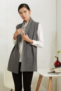 Lady′s 100% Cashmere Sweater Vest with V Neck in Grey (CPS115013)