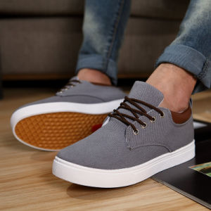The New Trend of Men′s Shoes Factory Direct Wholesale Korean Version of British Fashion Casual Shoes pictures & photos